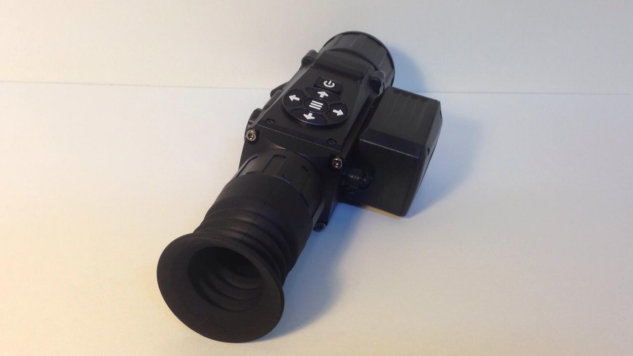 фото тепловизионного охотничьего прицела iRay XSight SL-50R с дальномером
