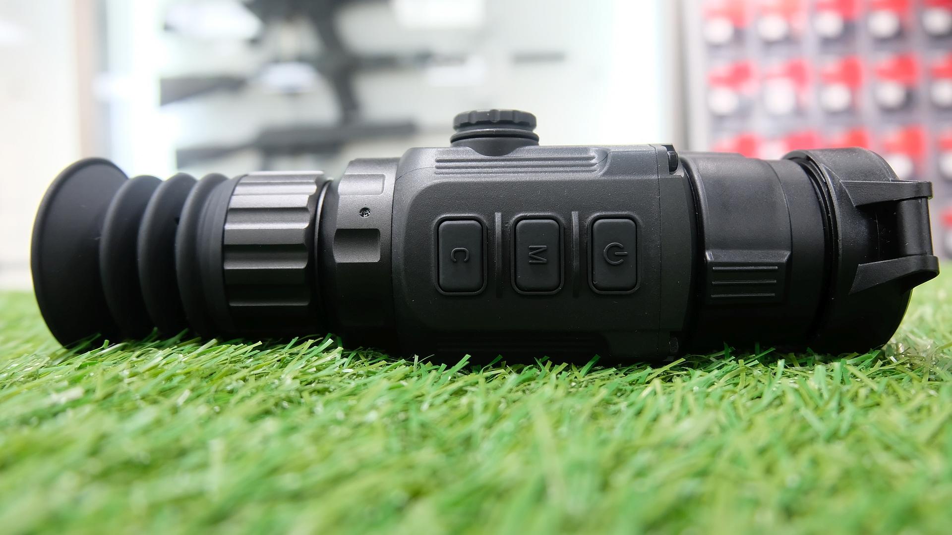 фотография тепловизионного охотничьего прицела iRay Aper TS35